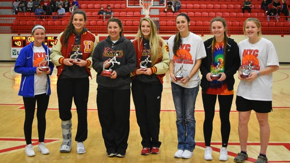 2017 All-Tournament Team pictured (L-R): Lainey Jestis, Claire Chastain, Dani Manning, Hannah Ash, Taylor Wilkinson, Kes Reeves, and Danna Wagnon. Photo by Vicki Droddy.