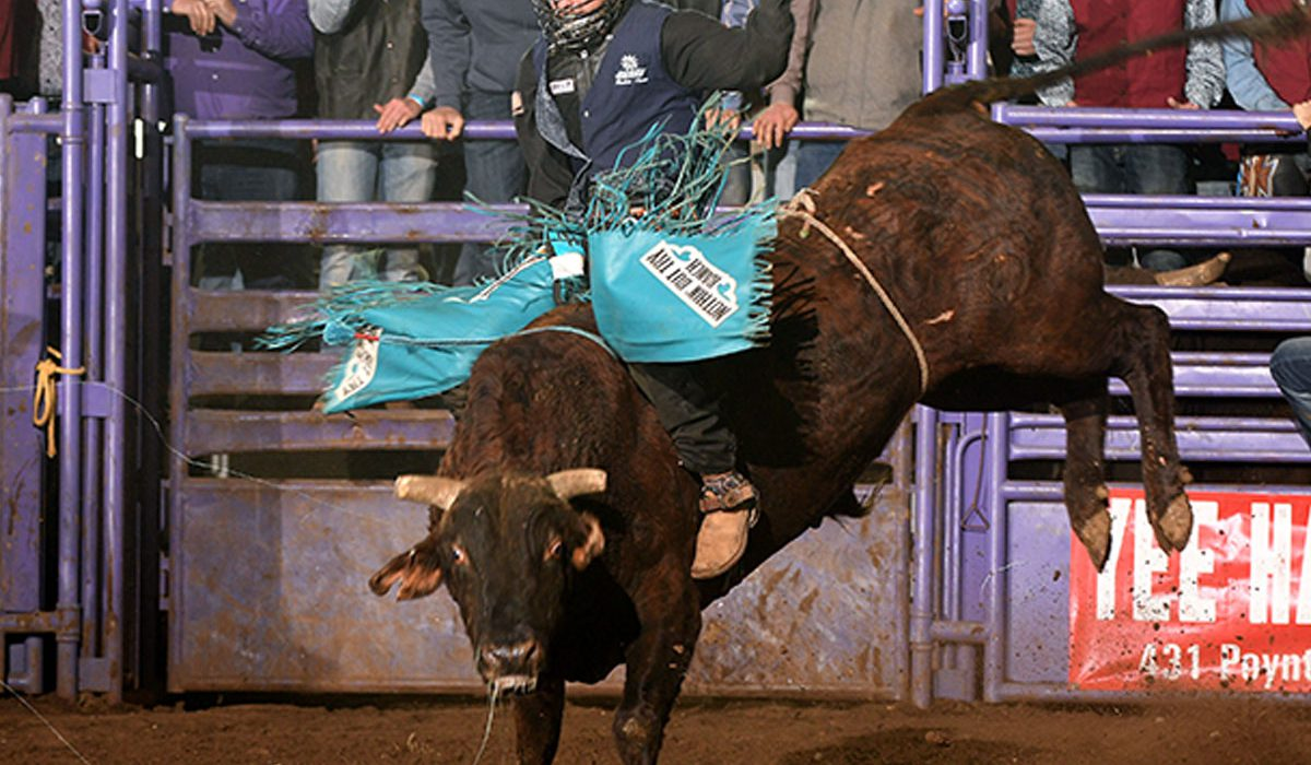 Southwestern Rodeo Rides At Kansas State To Open Spring